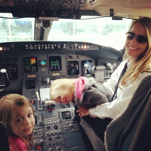 SkyWest employee Melissa Adams & Daughters