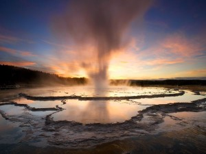 yellowstone-fountain-geyser_2018_600x450