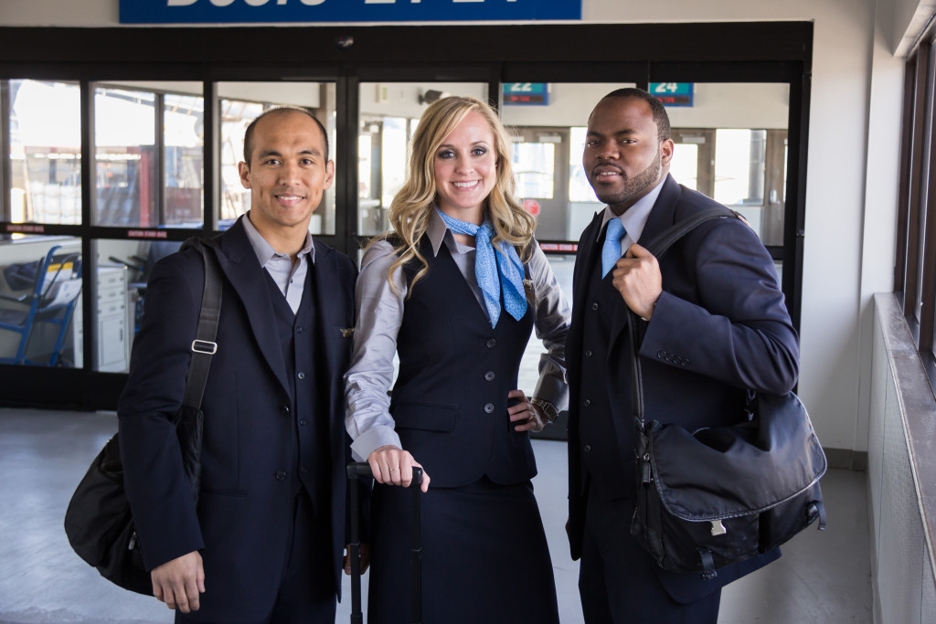 how to become a skywest flight attendant