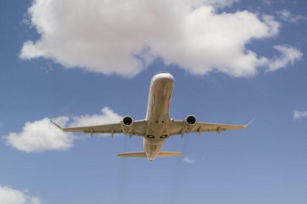 E175-takeoff_9